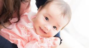 産後の抜け毛は仕方ない?回復させる4つの育毛方法
