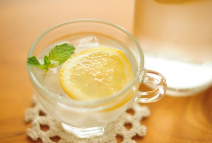 ダイエットに効果的な白湯の飲み方