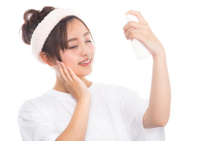 大人ニキビには化粧水ケアが大切!原因や対策法のまとめ