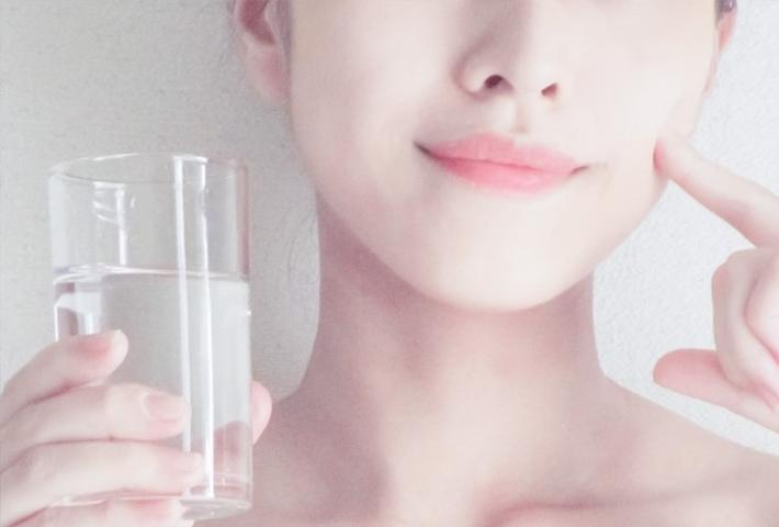 水分不足は敏感肌の大敵。化粧水と乳液でお肌をしっかり潤そう
