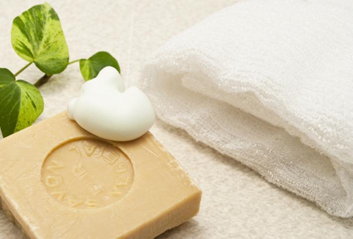 お肌を優しく洗い上げるおすすめ固形石鹸3選