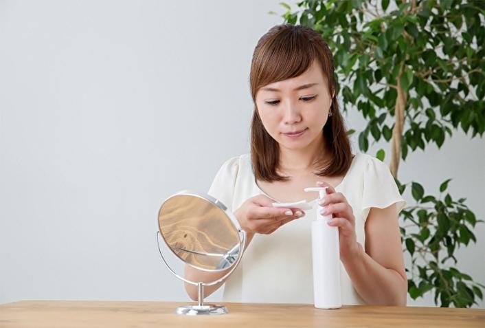 乳液や化粧水の正しい使い方